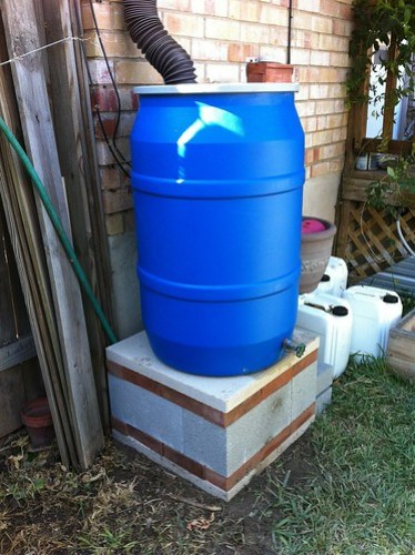 Rain barrel - new base