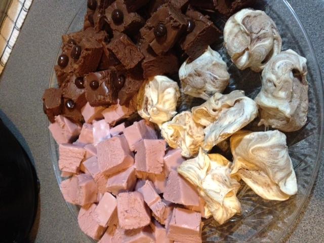Nutella meringues and fudge