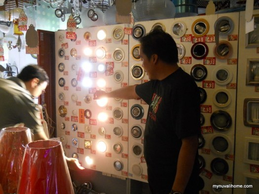 Binondo Shopping for Fixtures and Lighting (18)