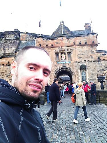 CRÓNICA - Día 4: Reino Unido (Escocia: Edimburgo con Ciudad Vieja y Nueva, Calton Hill, Princess Street, National Gallery & Museum, Greyfriars Kirk, Universidad, Catedral, Castillo, Royal Mile, etc).