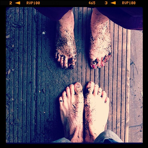 We did the Barefoot Walk at Conkers yesterday. It was sooo cold!!