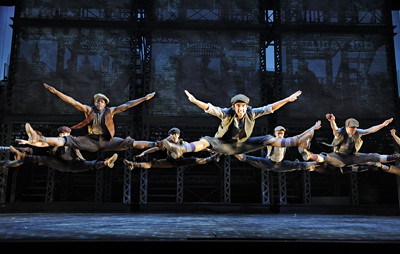Newsies1leaping