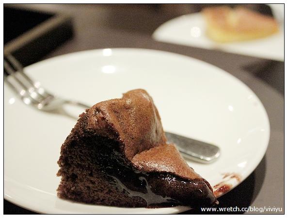 [試吃]諾亞Noah半熟蛋糕~不需加熱.直接爆漿 @VIVIYU小世界