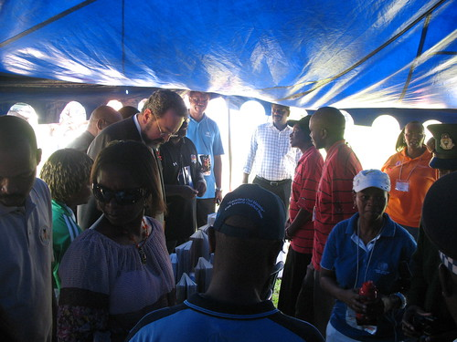 US ambassador to Swaziland accompanies the minister of health to the info desks
