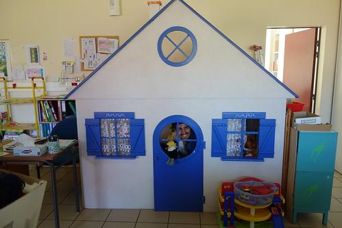 Laurent et Pelico se cachent dans une petite maison !