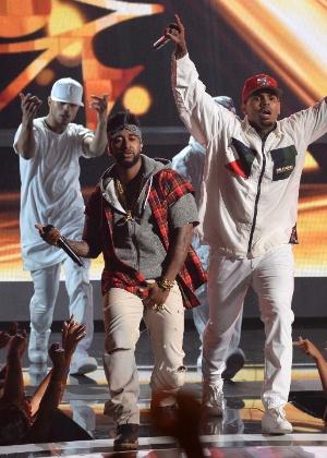 Ex-empresário de Chris Brown processa o rapper por agressão, diz site