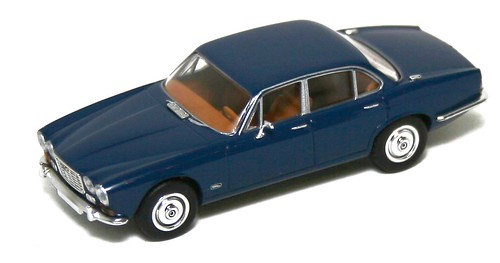 Brekina Jaguar XJ6