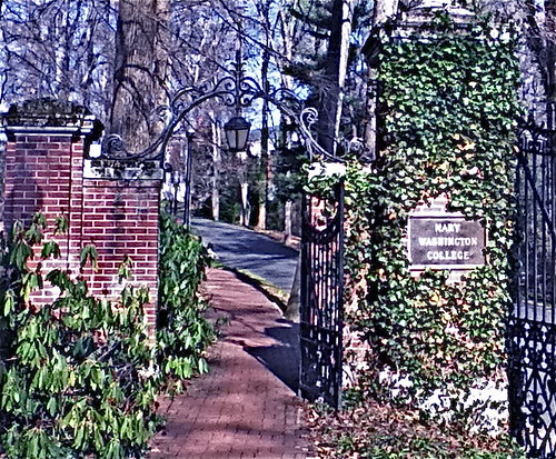 A Gate into Mary Washington College
