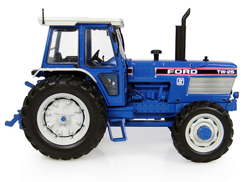 Ford TW 25-side2