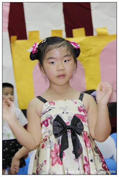 [育兒日誌]學校畢業登台~中國風登場 @VIVIYU小世界
