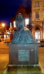 0133 - George Eliot at night
