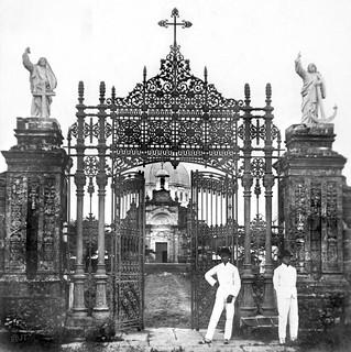 Gate to Santa Cruz Cemetery (La Loma Cementery...