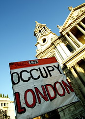 Occupy movement gathering at St. Paul's..19.11...