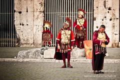 Centurioni romani a difesa del Colosseo