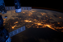 6792427300_304b186187_m 国際宇宙ステーションで実験 濡れタオルを絞るとどうなる?