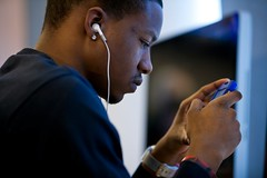 Cellphone Use Linked to Selfish Behavior in UM...