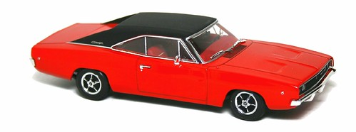 Minichamps Dodge Charger 1968