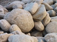 Pile-of-Rocks_Round-Boulders__86316