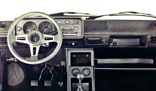 Volkswagen-Golf_I_GTI_1976_1interior