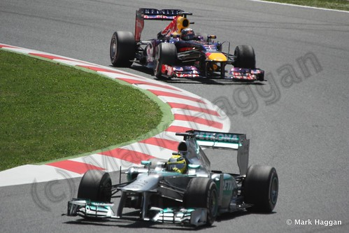 Lewis Hamilton and Sebastian Vettel in the 2013 Spanish Grand Prix