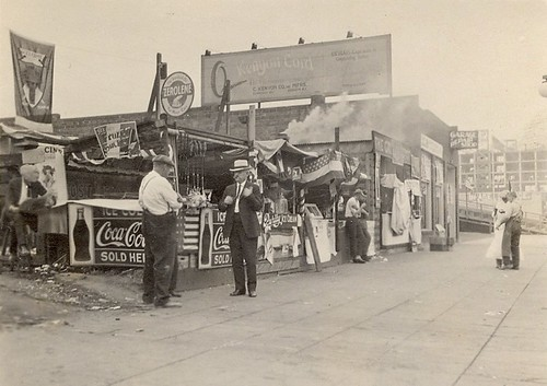 Hamburger and hot dog stands at 5th and Lenora, 1925