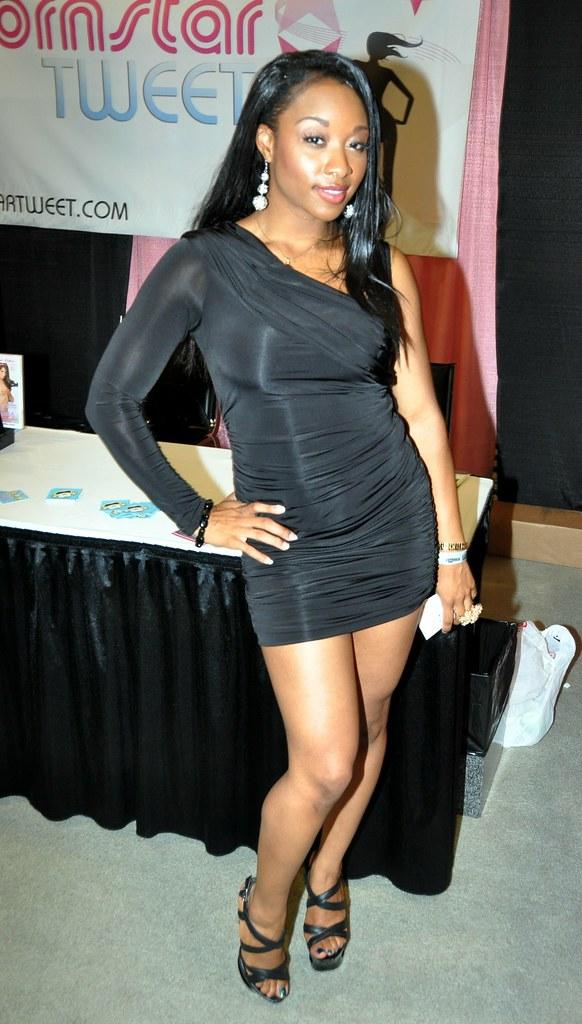 Imani Rose In Sexy Black Minidress Hootervillefan Tags Black Sexy Rose Star Slut