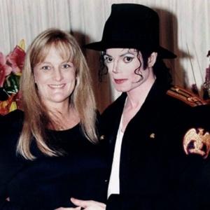 Ex-mulher de Michael Jackson está com câncer de mama, diz site