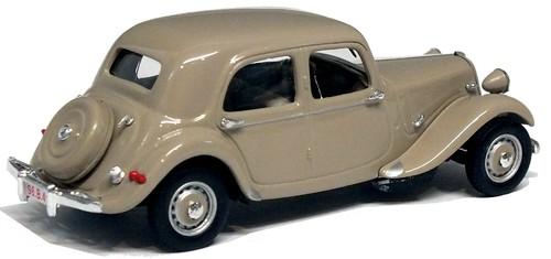 Universal Hobbies Citroën 11BL Belga (1)