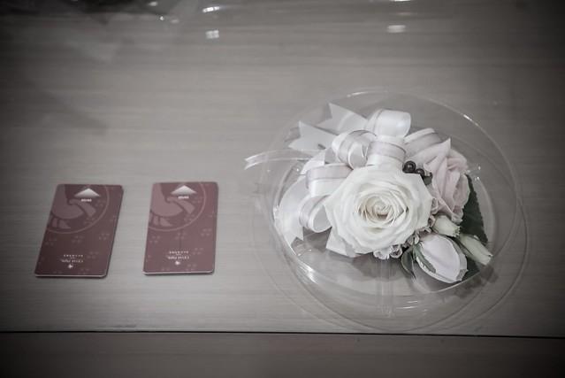 小物拍攝:胸花
