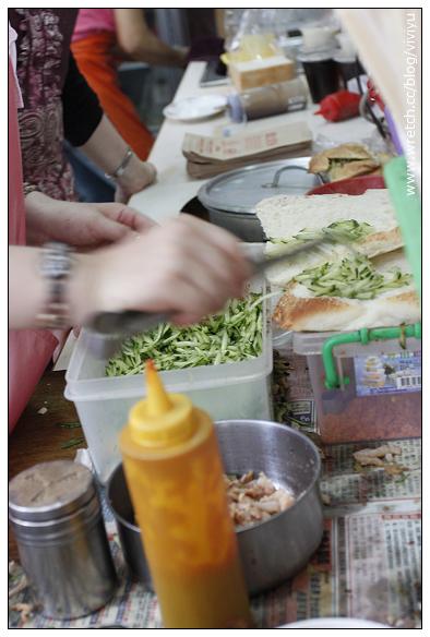 [澎湖.美食]文康商圈.必訪早餐街~鐘記燒餅&益豐豆漿店&香亭土魠魚羹 @VIVIYU小世界