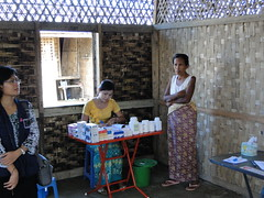 Myanmar: Aid agencies grapple to provide aid t...