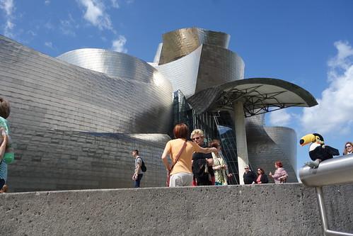 Il s'agit du musée Guggenheim de Bilbao !