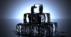 """Der Eiswürfel. Die Eiswürfel. Eine Pyramide aus Eiswürfeln. • <a style=""""font-size:0.8em;"""" href=""""http://www.flickr.com/photos/42554185@N00/27952340406/"""" target=""""_blank"""">View on Flickr</a>"""