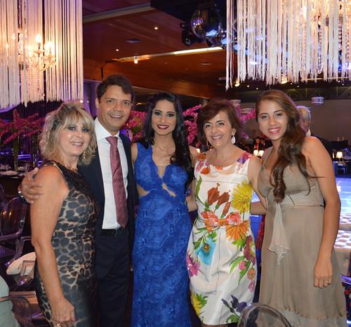 Carmelita, Eduardo Figueredo,c oma namorada, Cassinha Carvalho e a filha