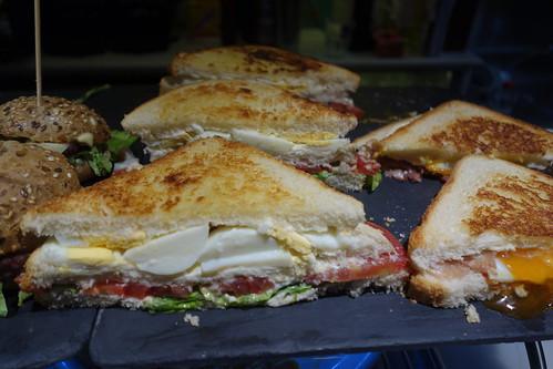 Un pinxo qui ressemble à nos sandwichs