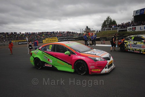 Mike Epps on the grid during the BTCC Knockhill Weekend 2016