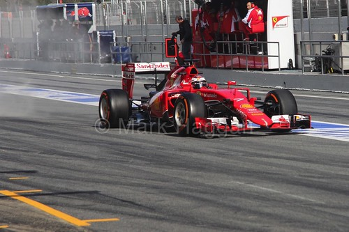 Kimi Raikkonen in his Ferrari in Formula One Winter Testing 2015
