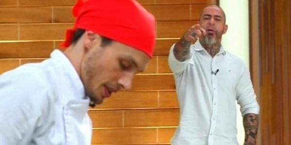 """Fábio leva bronca de Fogaça no """"MasterChef"""": """"Quer ser folgado? Aguenta!"""""""