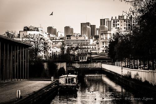 travel blackandwhite bw paris france water monochrome dock nikon noiretblanc channel darse