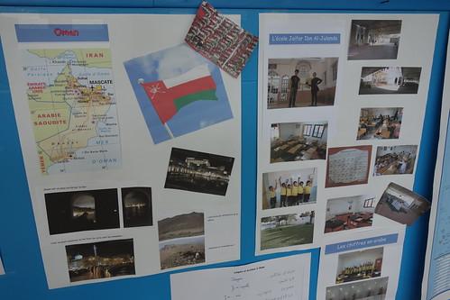 Dans les salles de classes des CE2-CM1 et CM1-CM2, de nombreux posters.