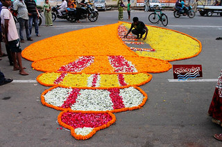 http://bit.ly/1bBy5dd attractive rangoli at badadand ( GrandRoad) artist fill with flowers