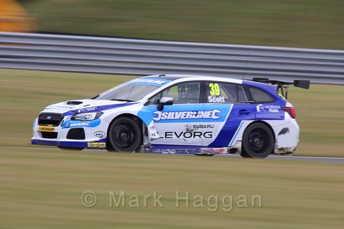 Warren Scott in Touring Car action during the BTCC 2016 Weekend at Snetterton