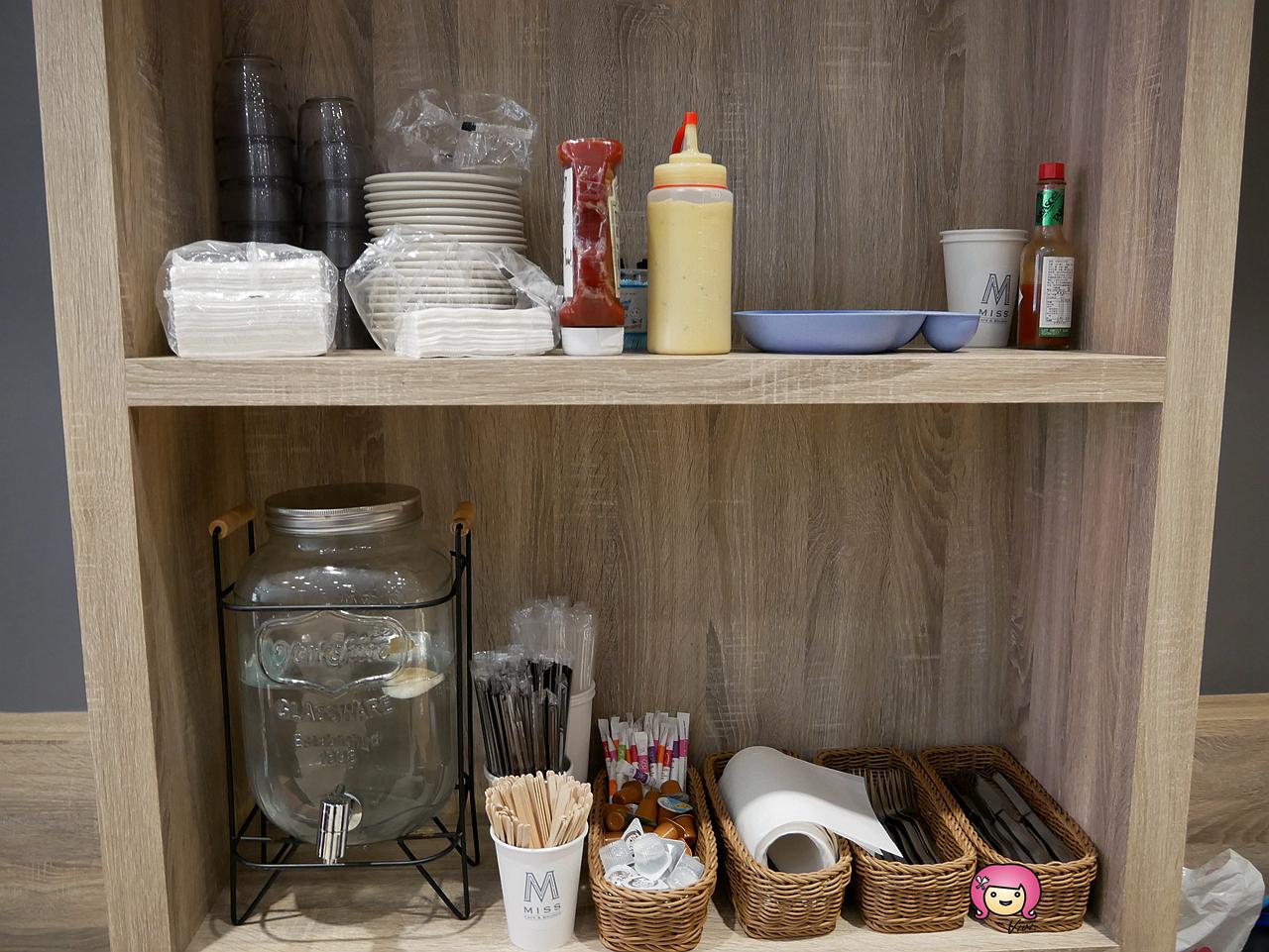 [林口美食]MISSx秘食-林口二店│新開幕咖啡買一送一~有提供插座可免費使用.早午餐系列拼盤大份量美食 @VIVIYU小世界