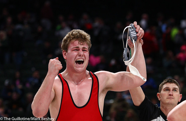 285AAA 1st Place Match - Bryce Benhart (Lakeville North) 34-0 won by decision over Marco Cavallaro (East Ridge) 36-5 (Dec 7-0) - 190302bmk0420