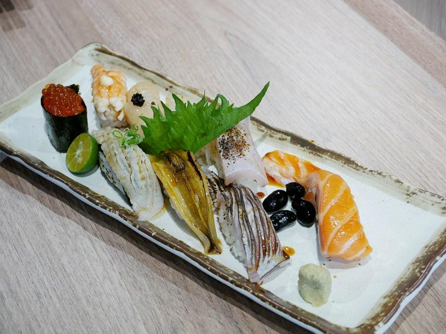 握壽司,桃園平價料理,桃園平價日式料理,桃園日式料理,桃園美食,生魚片丼,鮮閣食堂 @VIVIYU小世界