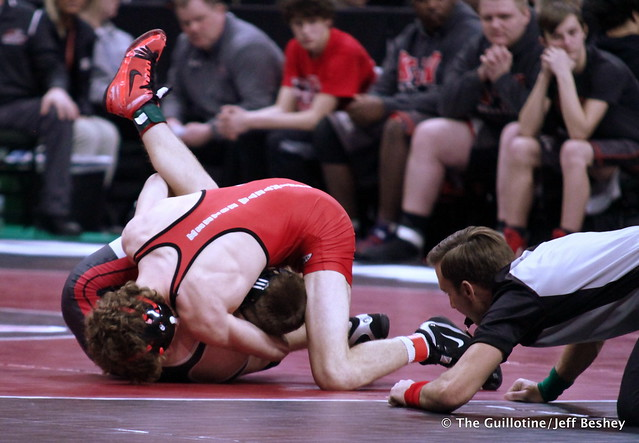 145 – Nathan Bauer (KW) over Carter Endrizzi (Aitkin) Fall 2:34. 190228AJF0061