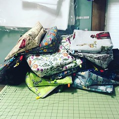 """Yesterday's pile of tall wedges! I'll be at @circlestitches on Friday and Saturday, will I see you? #sbjlpopup #popupshop #salemmassachusetts #circleofstitches #stitchedbyjessalu #handmade #projectbags for your #knitting or #crochet #projectbagsdontcount • <a style=""""font-size:0.8em;"""" href=""""http://www.flickr.com/photos/85938040@N00/40404235193/"""" target=""""_blank"""">View on Flickr</a>"""