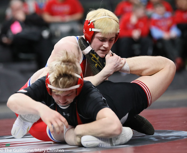 132AA 1st Place Match - Ryan Sokol (Simley) 51-0 won by fall over Charlie Pickell (Mankato West) 47-2 (Fall 5:56) - 190302BMC4386