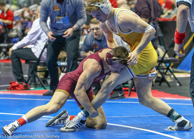 Champ. Round 2 - Mitch McKee (Minnesota) 22-5 won by decision over Sam Turner (Wyoming) 31-13 (Dec 7-4) - 190321bmk0069