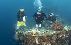 Chris Middleton bi-lateral amputee divemaster and Josh Boggi Triple Amputee PADI Rescue Diver 0811_33a